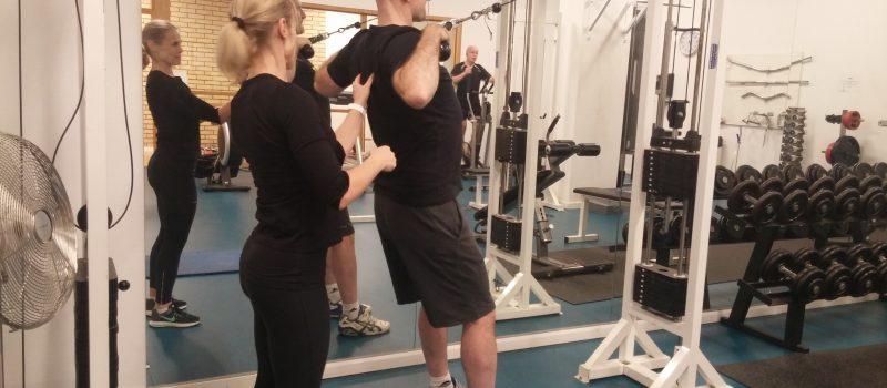 träning axlar